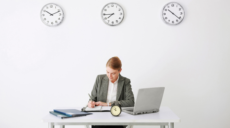 Methods of tracking time and attendance